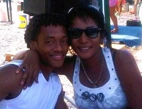 Juan con la madre Marcela